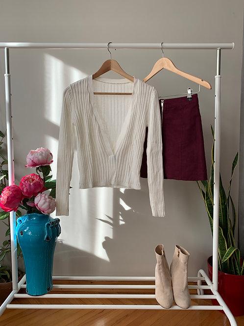 Beyaz dekolteli fitilli ince triko bluz