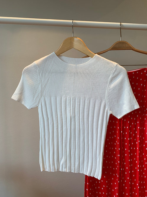 Beyaz yarım kollu ince fitilli triko t-shirt