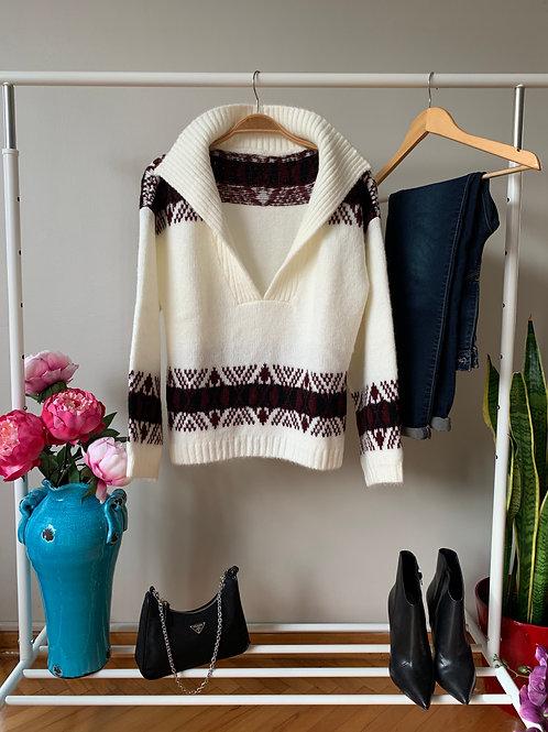 Beyaz kış desenli polo yaka triko kazak