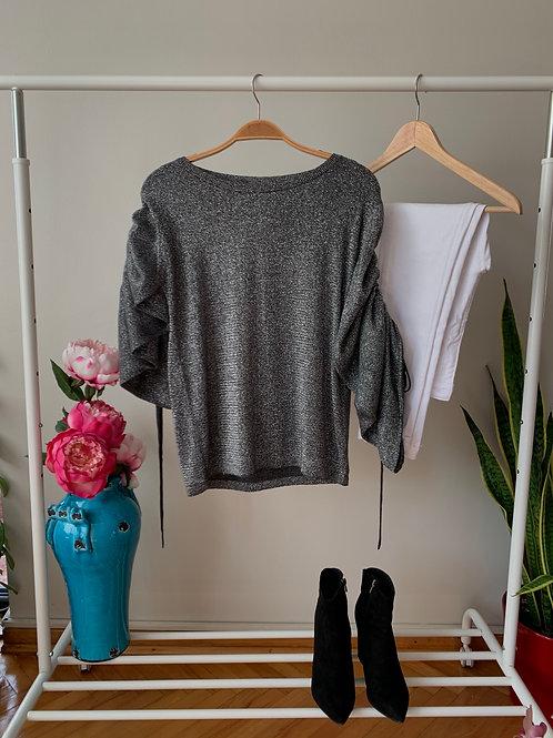 Antrasit kayık yaka kolları büzgülü simli triko bluz