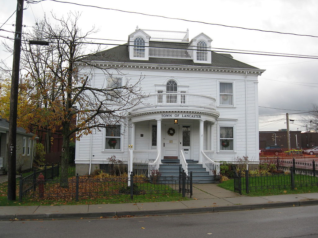 40_Clark_St_Central_Avenue_Historic_District_Lancaster,_New_York_Nov_09
