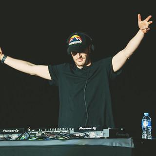 DJ Wire