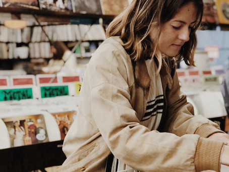 8 Tips for Thrift Shopping Success | By Rosalie