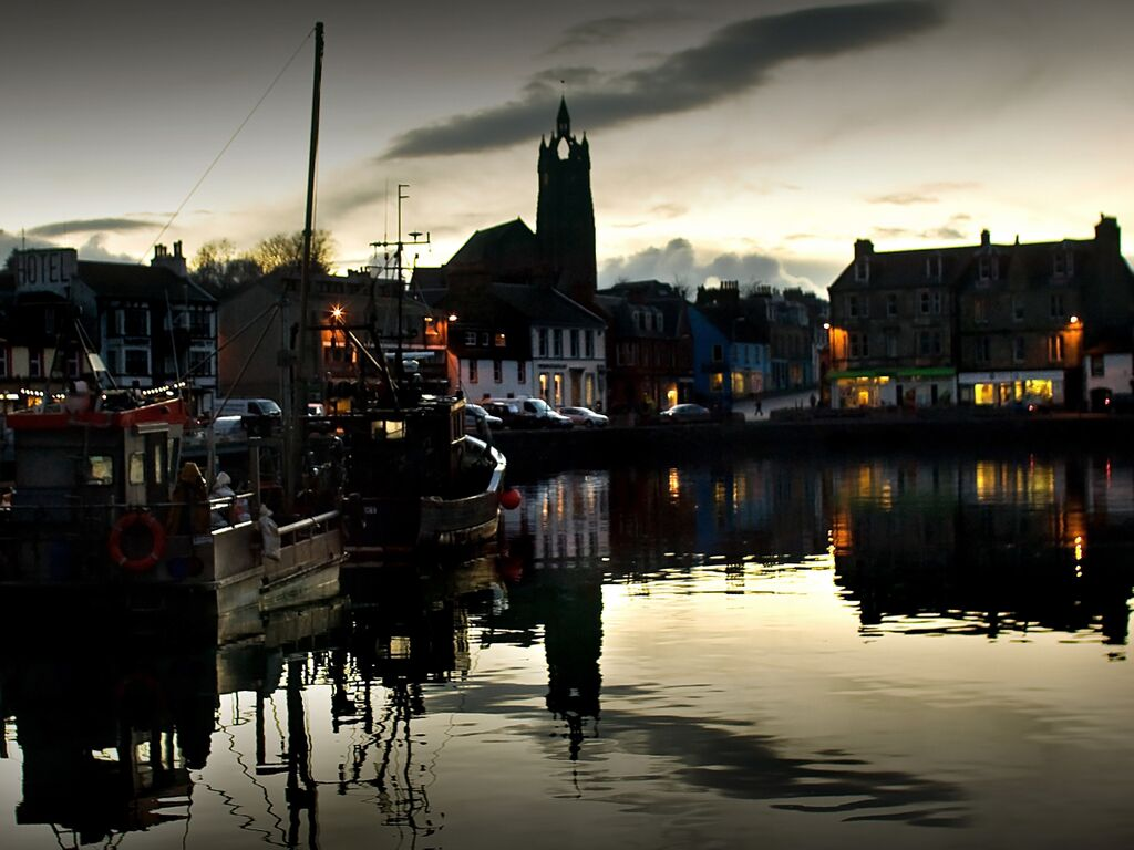 Tarbert by Night