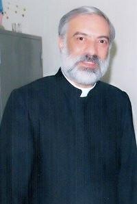 الأب باسيليوس الكاثوليكى