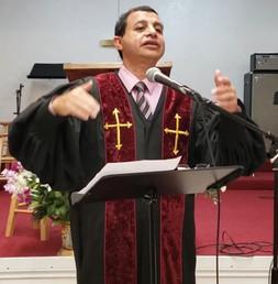 الدكتور القس امجد صليب