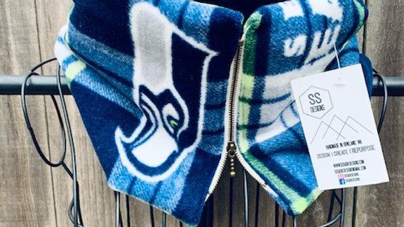 lux seahawks + zipper scarf