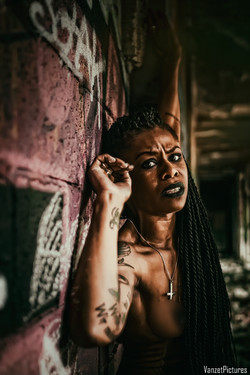 Be Barock Alternative Black Model