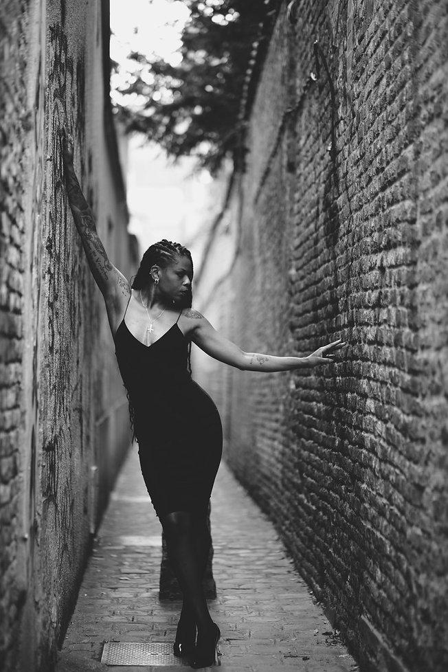 Be Barock / Model Art / Photogrphy / French / Inked / Black Women / Black Dress / Lodovicus Nym