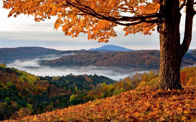 When is peak foliage in Vermont?