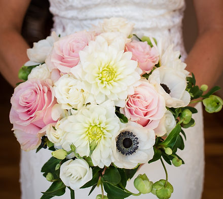 Gorgeous wedding bouquet with pink roses