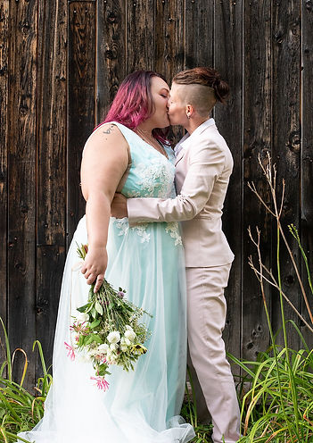 Gayfriendly vtwedding photographer.jpg