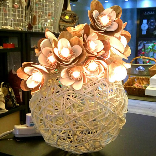 Flower light & Rattan basket 花燈及藤籃 F01,B01