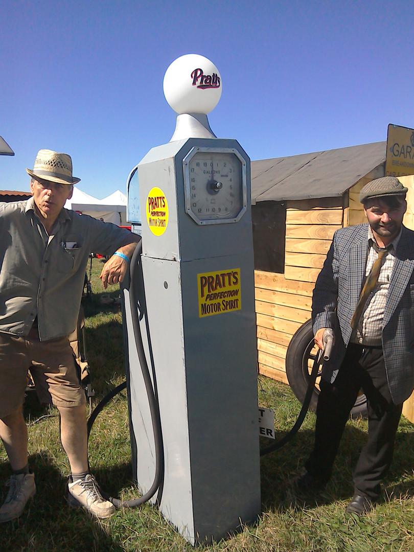 Early pump vintagehoot.uk.jpg