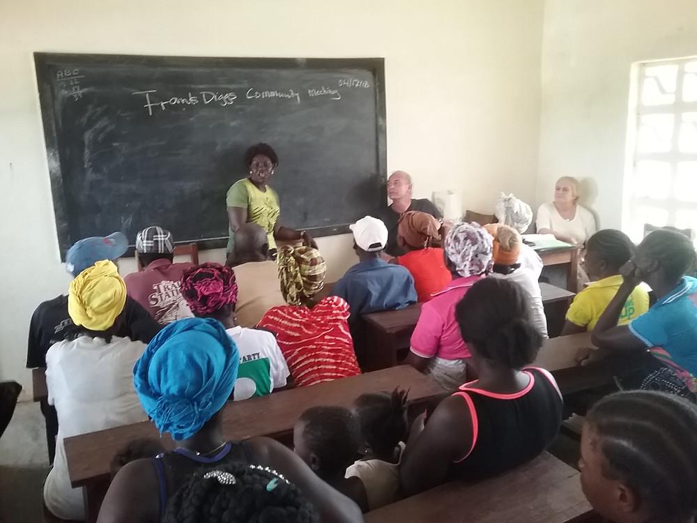 Møte med engasjerte foreldre og lærer foreningen på Frank Diggs, Emma, Tove og Rolf