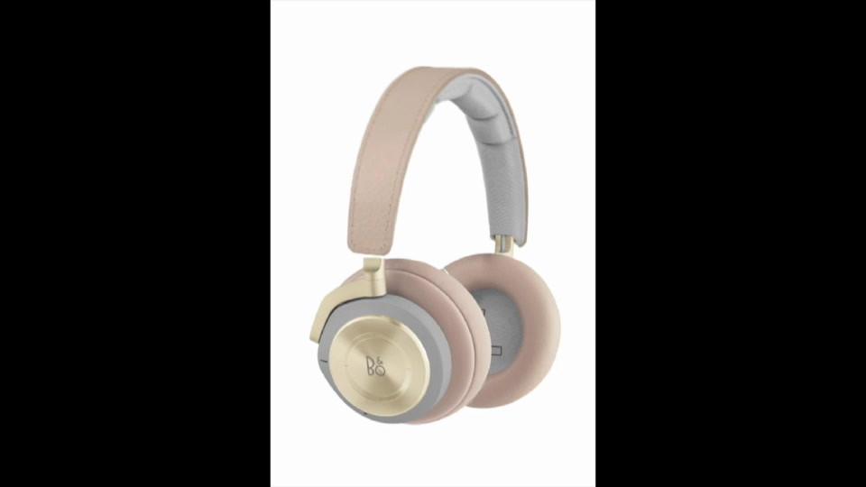 Style: Headphones.1.14.20 copy.mp4