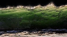 vague eau ressac ecume