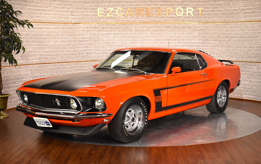 1969 BOSS 302 (showroom condition)
