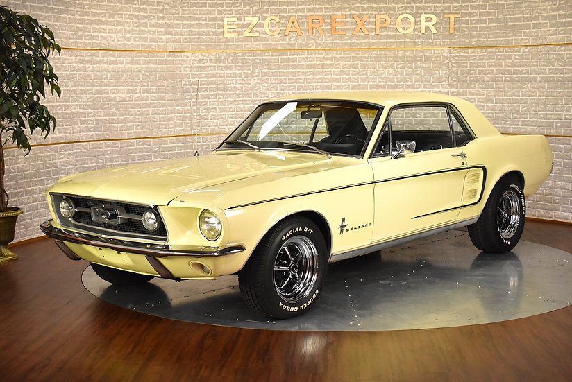 1967 Mustang / Deluxe interior