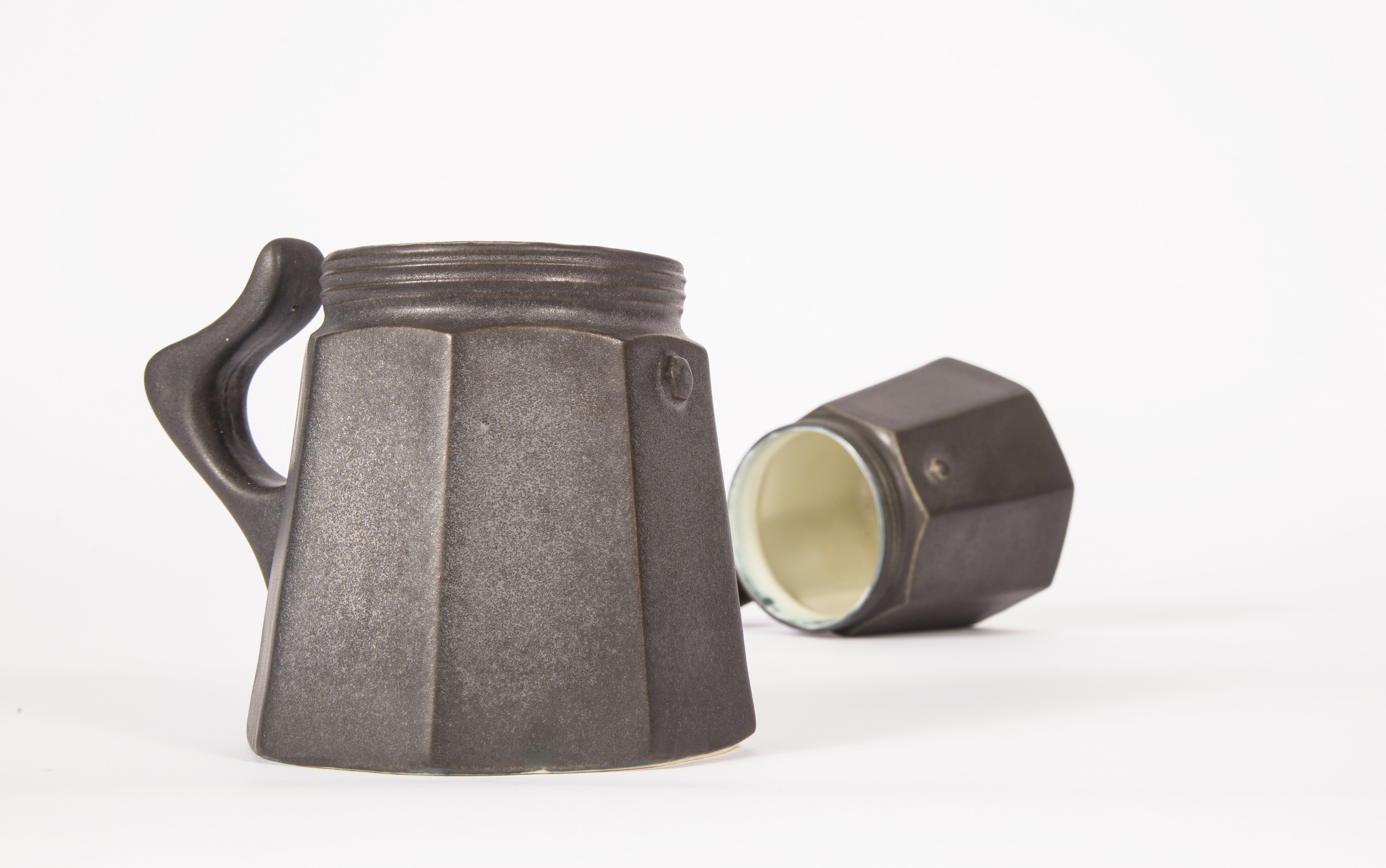 stoneware mug / gunmetal glaze