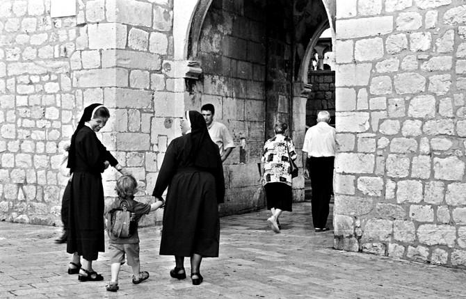 Faces Collection - Image #2 Nuns in Dubrovnik