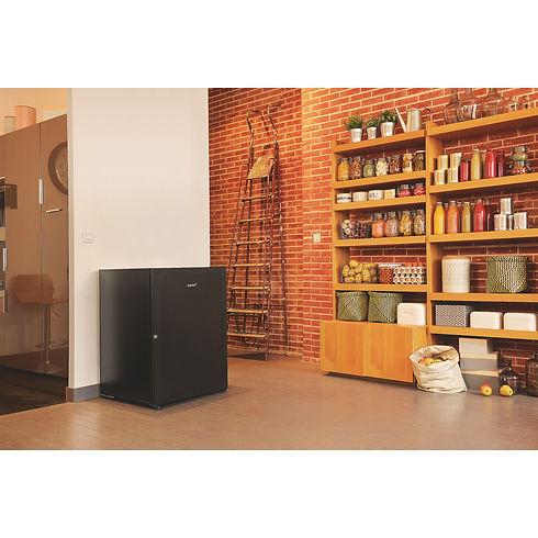 EuroCave V-PREM-S-in situ-storeroom.jpg
