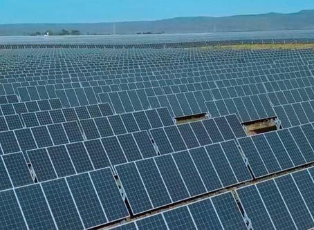 A Enercom Renováveis investirá R$ 1,15 bilhão em usinas solares em Luziânia e Cristalina