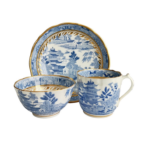 Miles Mason true trio, Pagoda pattern blue and white transfer, ca 1810