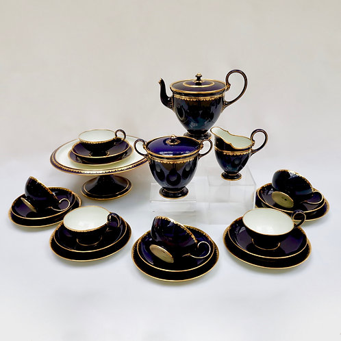 Sèvres tea service, Art Deco mazarine blue and gilt, 1923