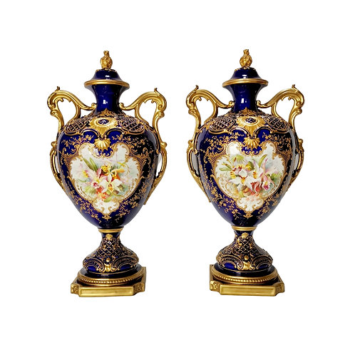 Royal Worcester set of 2 vases, mazarine blue, orchids signed by F Roberts, 1901