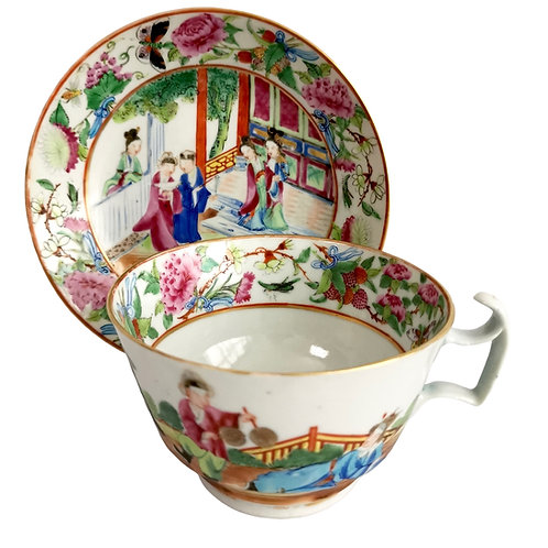 Chinese Export breakfast cup, Canton famille verte with figures, ca 1880 (3)