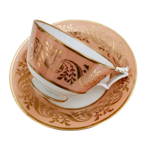 Flight Barr and Barr teacup, peach with gilt pattern, ca 1815