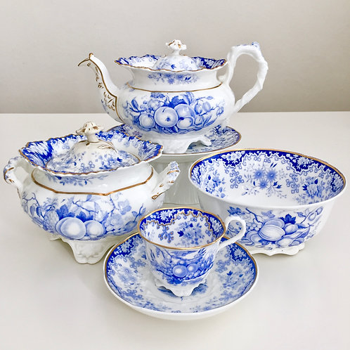 Part tea service, Rococo period, Berlin Embossed Minton 1828