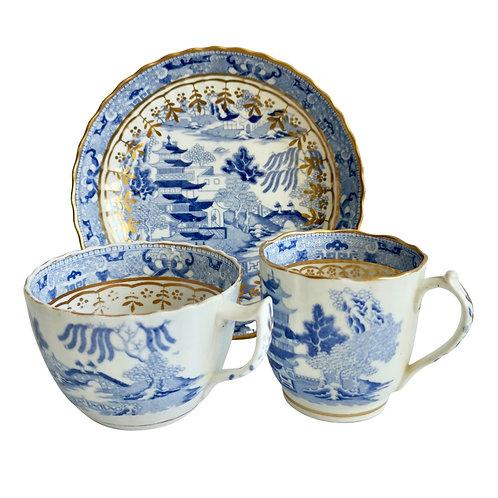 Miles Mason true trio, Pagoda pattern blue and white transfer, ca 1810 A/F