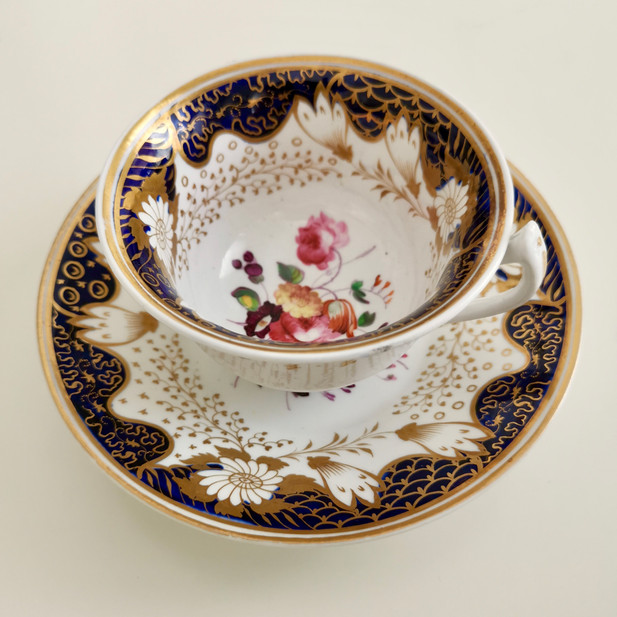 Rathbone teacup with flowers, ca 1825