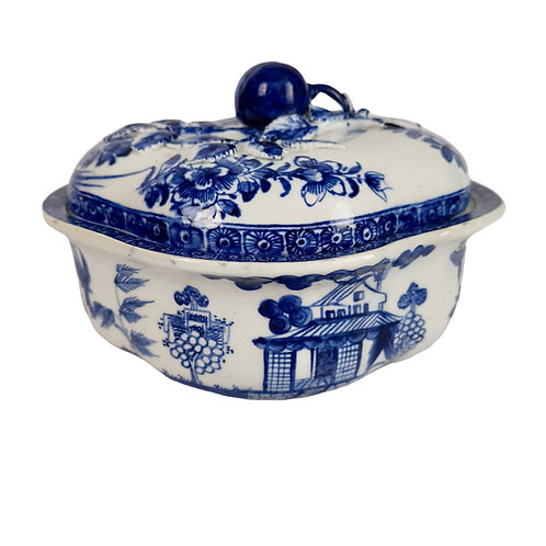 Bow lidded cream pot, blue and white Chinese house, ca 1765