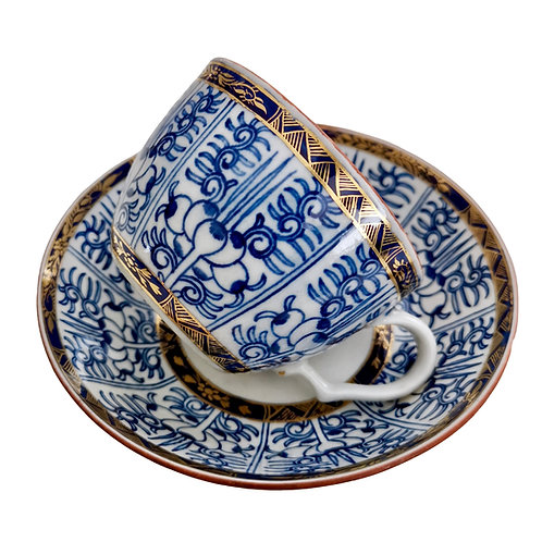 Chamberlain Worcester teacup, Blue Lily pattern, ca 1815