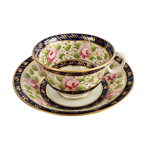 New Hall teacup, cobalt blue with roses, ca 1815 (1)