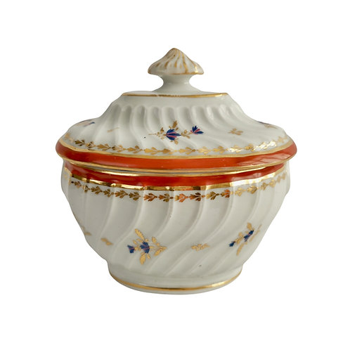 Chamberlains Worcester sucrier, spirally fluted white and ochre, ca 1795