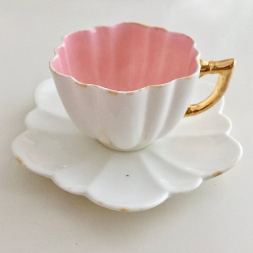 Wileman demitasse cup and saucer, pink and white Daisy shape, 1893 A/F