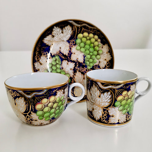 New Hall tea/coffee cup trio, vine pattern, ca 1810