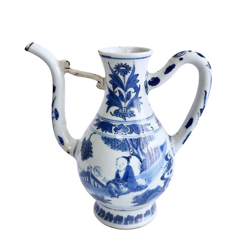 Chinese ewer, figures fanning themselves, Chongzhen Transitional ca 1640