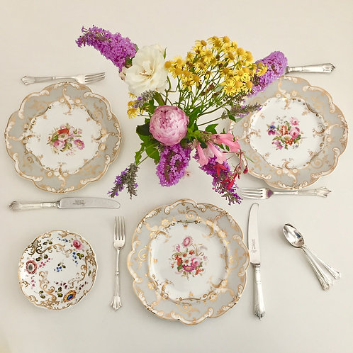 "3 dinner plates, ""moustache"" shape handpainted flowers, Ridgway ca 1820"