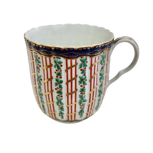Worcester orphaned coffee cup, hop and trellis, 1st Period ca 1775