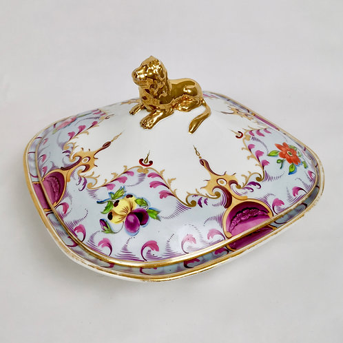 Staffordshire tureen with lion finial, ca 1820