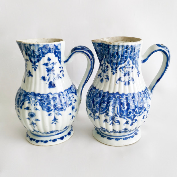 Two KangXi jugs, 1700-1730