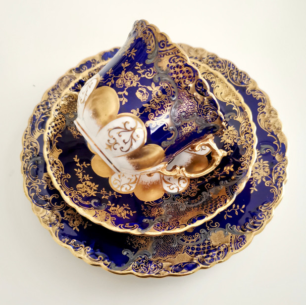 Aynsley teacup with gold and silver