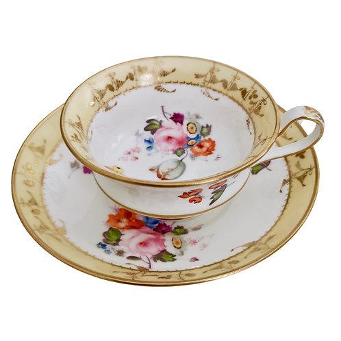 Minton teacup, patt. 724 superbly hand painted flowers, ca 1825
