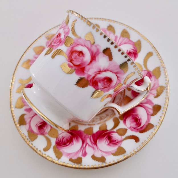 Staffordshire coffee cup, Billingsley roses, ca 1820
