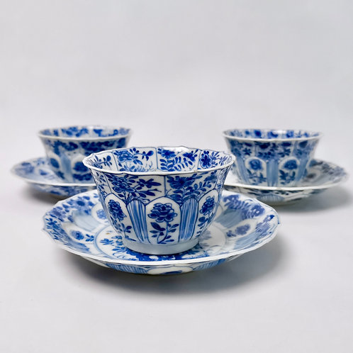 Set of Chinese tea bowls, blue and white Kangxi 1662-1722